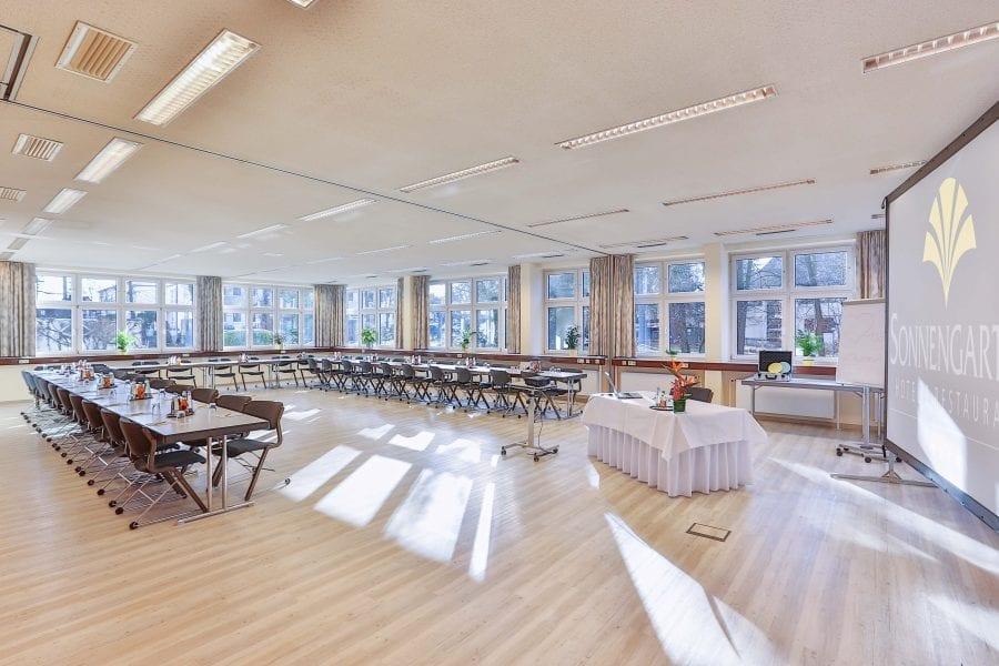 Holl-1+2 U-Form für Symposium und Vortrag im Hotel Sonnengarten