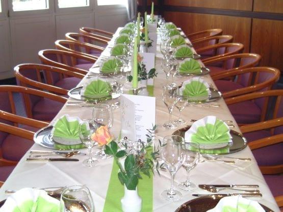 Gedeckter Tisch Restaurant Hotel Sonnengarten